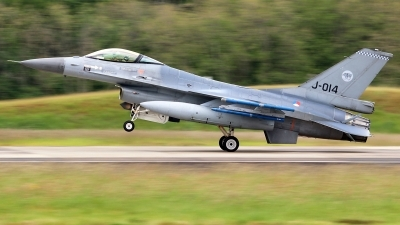 Photo ID 228063 by Mark Broekhans. Netherlands Air Force General Dynamics F 16AM Fighting Falcon, J 014