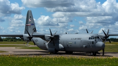 Photo ID 229327 by Thomas Ziegler - Aviation-Media. USA Air Force Lockheed Martin C 130J 30 Hercules L 382, 17 5865