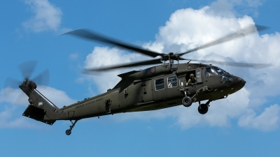 Photo ID 229371 by Thomas Ziegler - Aviation-Media. USA Army Sikorsky UH 60M Black Hawk S 70A, 10 20281