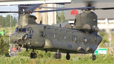 Photo ID 230132 by Barry Swann. UK Air Force Boeing Vertol Chinook HC6A CH 47F, ZH892