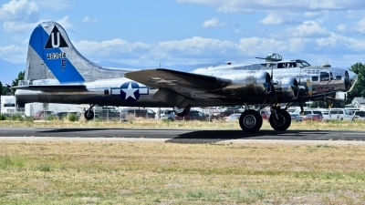 Photo ID 230604 by Gerald Howard. Private Commemorative Air Force Boeing B 17G Flying Fortress 299P, N9323Z