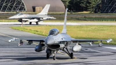Photo ID 230646 by Robin Coenders / VORTEX-images. Denmark Air Force General Dynamics F 16BM Fighting Falcon, ET 614