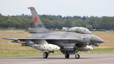 Photo ID 231126 by Coert van Breda. Netherlands Air Force General Dynamics F 16BM Fighting Falcon, J 066