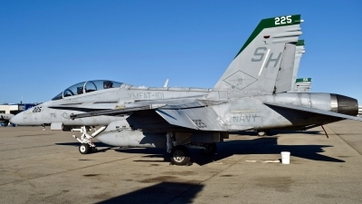 Photo ID 231255 by Gerald Howard. USA Navy McDonnell Douglas F A 18D Hornet, 163479
