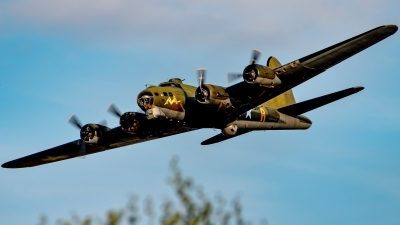 Photo ID 231656 by Martin Thoeni - Powerplanes. Private B 17 Preservation Ltd Boeing B 17G Flying Fortress 299P, G BEDF