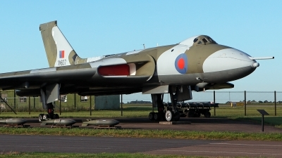 Photo ID 232588 by Carl Brent. UK Air Force Avro 698 Vulcan B2, XM607