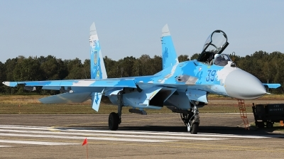 Photo ID 232988 by Walter Van Bel. Ukraine Air Force Sukhoi Su 27S, 39 BLUE