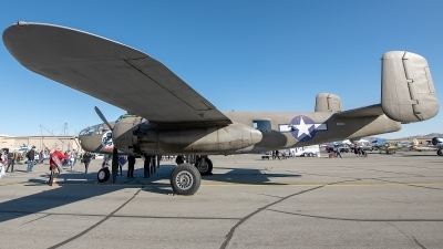 Photo ID 233596 by W.A.Kazior. Private Planes of Fame Air Museum North American B 25J Mitchell, N3675G