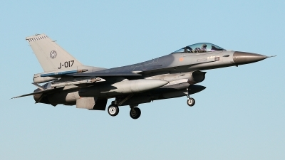 Photo ID 233943 by Carl Brent. Netherlands Air Force General Dynamics F 16AM Fighting Falcon, J 017
