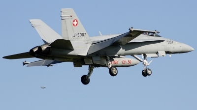 Photo ID 234154 by Arie van Groen. Switzerland Air Force McDonnell Douglas F A 18C Hornet, J 5007