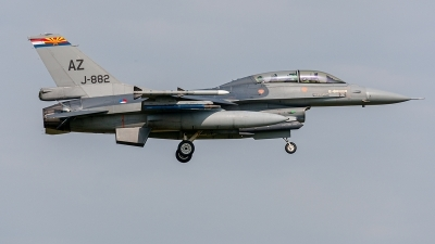 Photo ID 234262 by Jan Eenling. Netherlands Air Force General Dynamics F 16BM Fighting Falcon, J 882