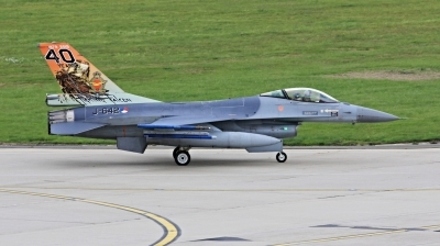 Photo ID 237025 by Milos Ruza. Netherlands Air Force General Dynamics F 16AM Fighting Falcon, J 642