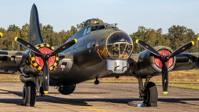 Photo ID 238498 by Jan Eenling. Private B 17 Preservation Ltd Boeing B 17G Flying Fortress 299P, G BEDF