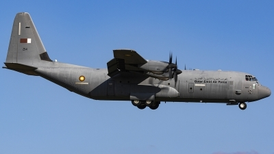 Photo ID 239800 by Matt Varley. Qatar Emiri Air Force Lockheed Martin C 130J 30 Hercules L 382, 214