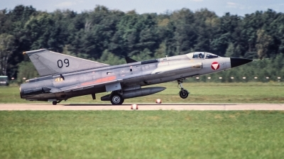 Photo ID 240443 by Giampaolo Tonello. Austria Air Force Saab J35Oe MkII Draken, 09