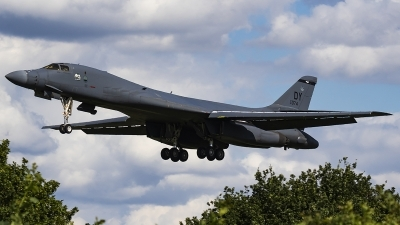 Photo ID 241369 by Matt Varley. USA Air Force Rockwell B 1B Lancer, 85 0074