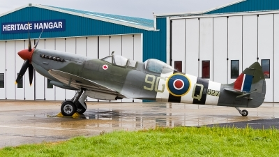 Photo ID 241495 by Tim Lowe. Private Biggin Hill Heritage Hangar Supermarine 509 Spitfire T 9, G BMSB