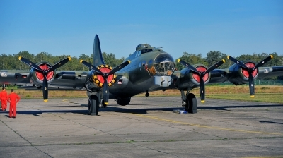 Photo ID 241733 by Alex Staruszkiewicz. Private B 17 Preservation Ltd Boeing B 17G Flying Fortress 299P, G BEDF