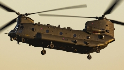 Photo ID 242114 by Matt Varley. UK Air Force Boeing Vertol Chinook HC2 CH 47D, ZD981