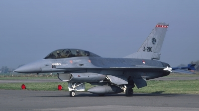 Photo ID 27265 by Lieuwe Hofstra. Netherlands Air Force General Dynamics F 16B Fighting Falcon, J 210