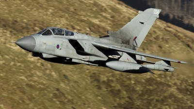 Photo ID 242393 by Neil Bates. UK Air Force Panavia Tornado GR4, ZA588