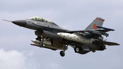 Photo ID 242867 by Walter Van Bel. Netherlands Air Force General Dynamics F 16B Fighting Falcon, J 066