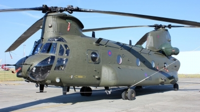 Photo ID 242941 by Tony Horton. UK Air Force Boeing Vertol Chinook HC2 CH 47D, ZA674