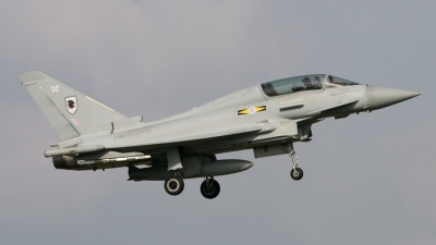 Photo ID 27297 by Gary Stedman. UK Air Force Eurofighter EF 2000 Typhoon T1, ZJ811