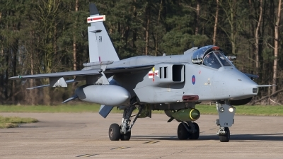 Photo ID 243062 by Chris Lofting. UK Air Force Sepecat Jaguar GR3A, XZ104