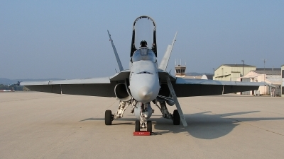 Photo ID 27304 by Cory W. Watts. USA Navy McDonnell Douglas F A 18A Hornet, 162905