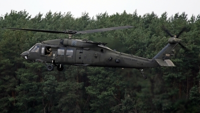 Photo ID 243258 by Richard de Groot. USA Army Sikorsky UH 60M Black Hawk S 70A, 11 20422