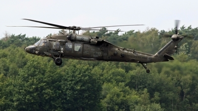 Photo ID 243280 by Richard de Groot. USA Army Sikorsky UH 60L Black Hawk S 70A, 98 26812