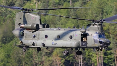 Photo ID 243608 by Barry Swann. UK Air Force Boeing Vertol Chinook HC2 CH 47D, ZA710