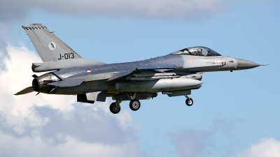 Photo ID 244189 by Mario Boeren. Netherlands Air Force General Dynamics F 16AM Fighting Falcon, J 013