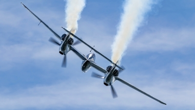 Photo ID 244220 by Martin Thoeni - Powerplanes. Private Red Bull Lockheed P 38L Lightning, N25Y