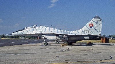 Photo ID 244417 by Peter Fothergill. Slovakia Air Force Mikoyan Gurevich MiG 29UB 9 51, 1303