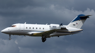 Photo ID 244609 by Thomas Ziegler - Aviation-Media. USA Federal Aviation Administration Canadair CL 600 2B16 Challenger 604, N88