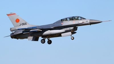 Photo ID 244756 by Mario Boeren. Netherlands Air Force General Dynamics F 16B Fighting Falcon, J 066