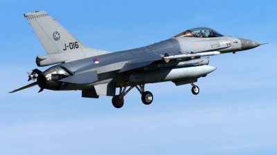 Photo ID 244898 by John. Netherlands Air Force General Dynamics F 16AM Fighting Falcon, J 016