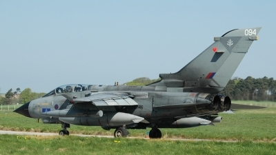 Photo ID 27537 by Gordon McDonald. UK Air Force Panavia Tornado GR4, ZD746