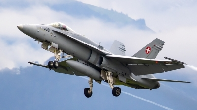 Photo ID 245645 by Bruno Geiger - Aviation Media. Switzerland Air Force McDonnell Douglas F A 18C Hornet, J 5008