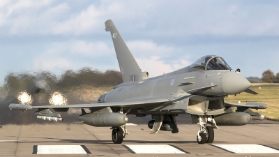 Photo ID 245972 by Tom Gibbons. UK Air Force Eurofighter Typhoon FGR4, ZK427