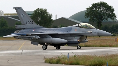 Photo ID 246229 by Richard de Groot. Netherlands Air Force General Dynamics F 16AM Fighting Falcon, J 009