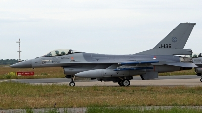 Photo ID 246303 by Richard de Groot. Netherlands Air Force General Dynamics F 16AM Fighting Falcon, J 136