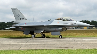 Photo ID 246020 by Richard de Groot. Netherlands Air Force General Dynamics F 16AM Fighting Falcon, J 016