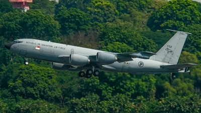 Photo ID 246182 by Bruno Geiger - Aviation Media. Singapore Air Force Boeing KC 135R Stratotanker 717 100, 752