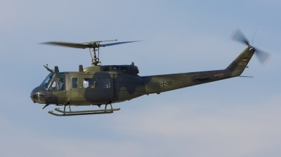 Photo ID 246649 by Andreas Zeitler - Flying-Wings. Germany Army Bell UH 1D Iroquois 205, 72 35