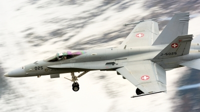 Photo ID 246748 by Sven Zimmermann. Switzerland Air Force McDonnell Douglas F A 18C Hornet, J 5025