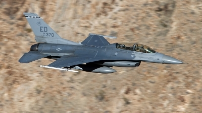 Photo ID 247527 by Niels Roman / VORTEX-images. USA Air Force General Dynamics F 16D Fighting Falcon, 87 0370