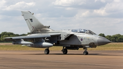 Photo ID 247921 by Niels Roman / VORTEX-images. UK Air Force Panavia Tornado GR4, ZA548